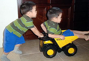 2_Little_Guys_Tonka_Toughest_Mighty_Truck